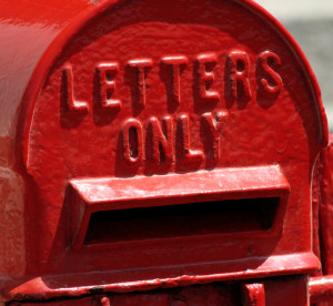 red-letterbox-1414527-639x586